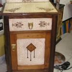 Antigua mesita restaurada Manualidades Taracea
