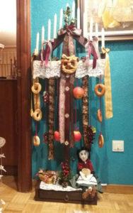 ramo-leones-decorado-con-la-vieja-del-monte-en-su-base